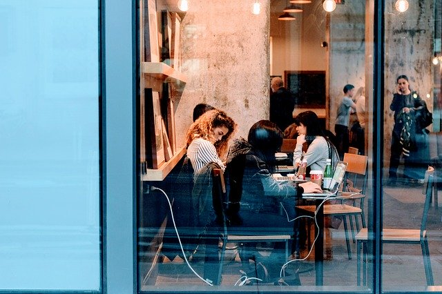 Top 7 perks that help in retaining employees