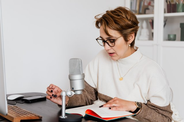 Business Storytelling to Connect: 3 Steps